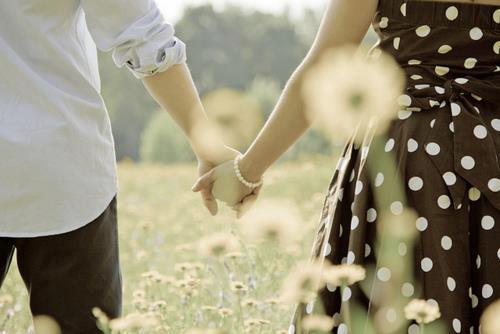 Những câu Status sâu sắc ý nghĩa nhất về tình yêu đôi lứa từng được chia sẻ trên Facebook-3
